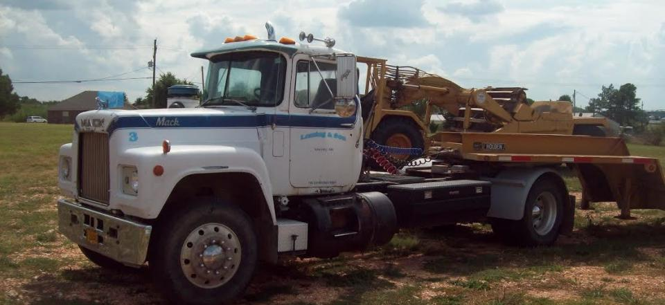 We offer light, medium, heavy and flat bed towing!